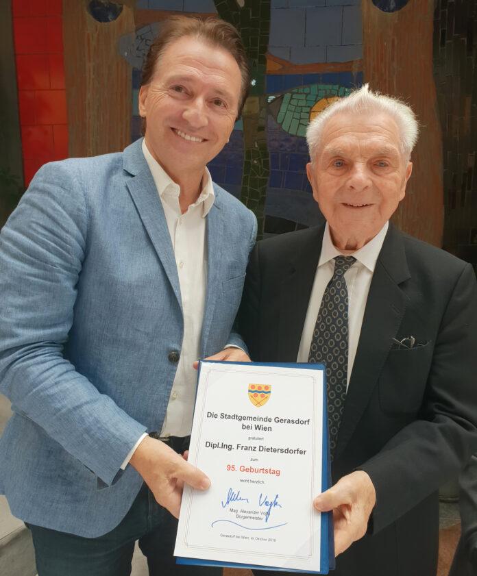 95. Geburtstag von DI Franz Dietersdorfer. Bild: Gemeinde Gerasdorf.
