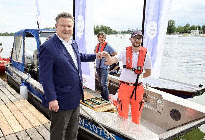 Impfboot Alte Donau, Bürgermeister Michael Ludwig. Bild: C.Jobst/PID.