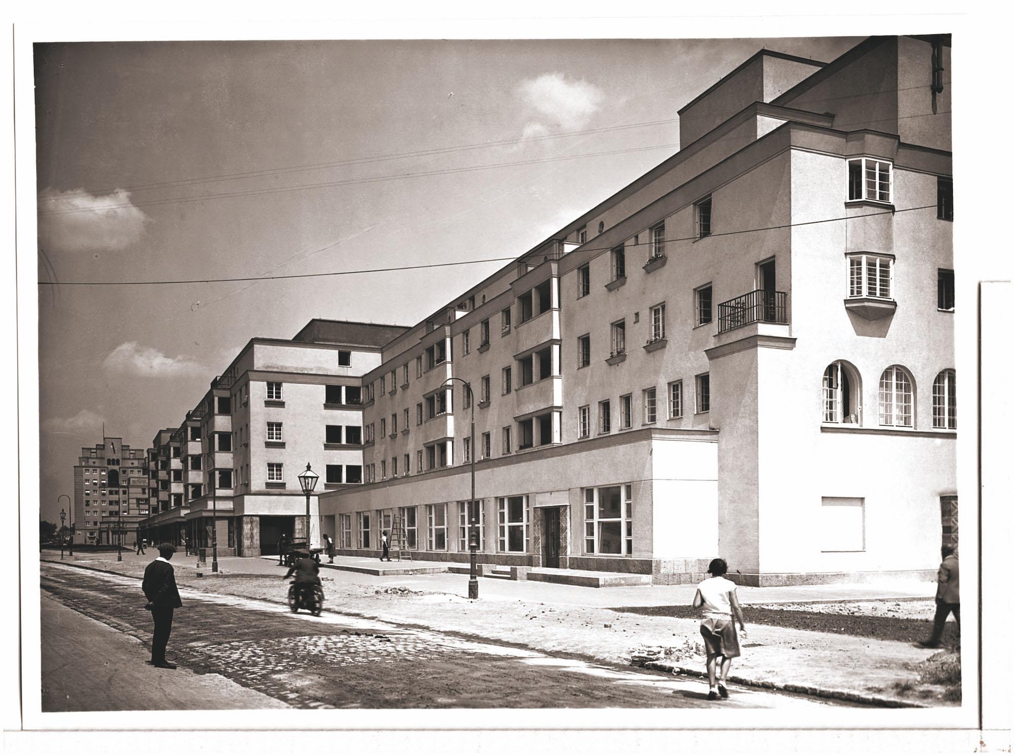 Karl-Seitz-Hof.   | 1930. Fotos: WStLA/Foto Gerlach.