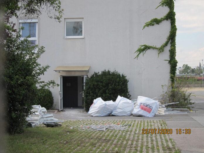 Asbest-Alarm auf Siemensgründen. Bild: Privat.
