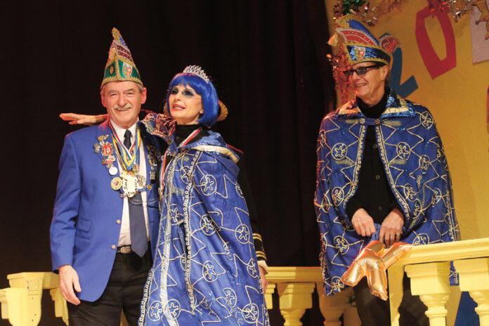 Bilder: Peter Hrazdil. Rechts: Binder und das Prinzenpaar DominoBlue & Tom.