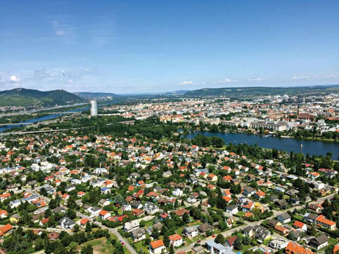 Bruckhaufen vom Donauturm aus. Bild:_ DFZ.