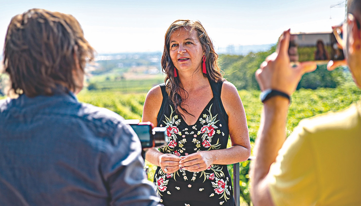 Stadträtin UlliSima im Interview mit DFZ-Chef- redakteur  Hannes  Neumayer. Bild: Neupert.