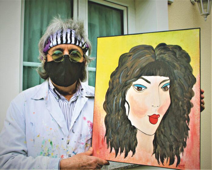 Künstler Robin mit Cher-Gemälde. Bild: Privat.
