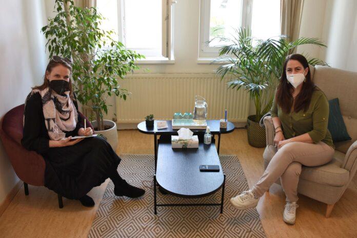 Stadträtin Kristina Mandl und Edith Friedlmayer. Foto: Julian Brugger.