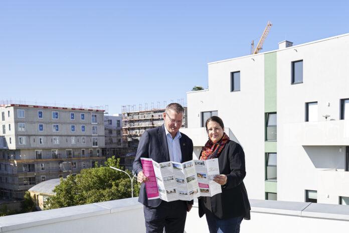 StRin Kathrin Gaal - Erste BewohnerInnen in Neu Leopoldau Willkommen heißen. Bild: PID/Markus Wache.