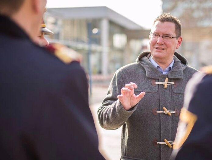 Bezirksvorsteher Georg Papai fordert mehr PolizistInnen für Floridsdorf. Bild: BV21.
