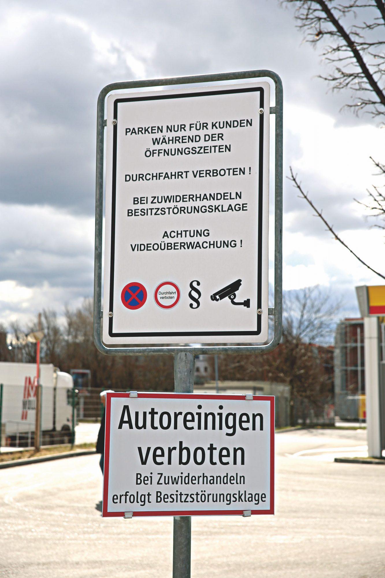 Sogar Autoreinigen ist bei der Siemensstraße verboten. Bild: Robert Sturm - cordbase.com