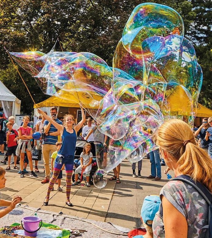 Bild: Seifenblasen-Kunst-und-Freude.