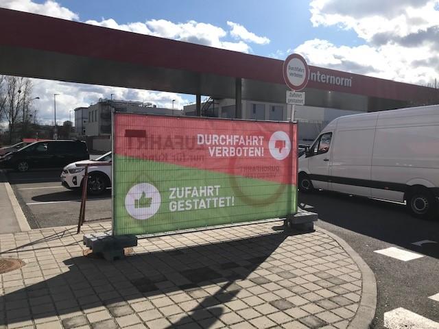 Eindeutige Kennzeichnung in der Siemensstraße 105. Bild: Privat.