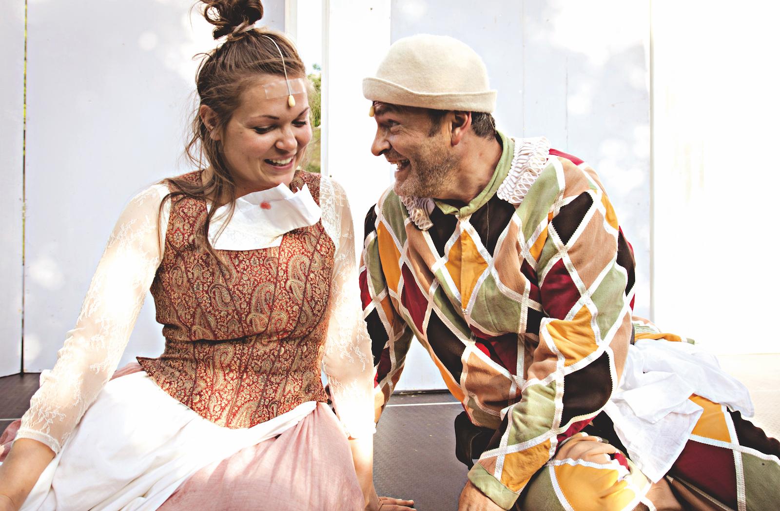 Theater im Gemeindebau:  Der Diener zweier Herren  nach Carlo Goldoni. Bild: Smeraldina_Arleccino.