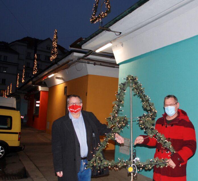 Weihnachtsbeleuchtung am Schlingermarkt. Bild: Marktamt.
