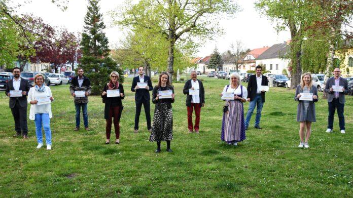 Wirtschaftsstadtrat Kal Hana und das Team der ÖVP laden 20 Gerasdorferinnen und Gerasdorfer ins Wirtshaus ein. Foto: privat.