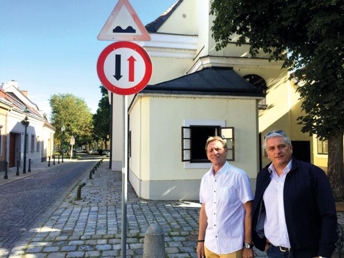 Josef Fischer (SPÖ), Leiter der Floridsdorfer Verkehrskommission & Karl Mareda (FPÖ Vize-Bezirksvorsteher). Bild: DFZ.