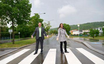 Stadträtin Ulli Sima und Bezirksvorsteher Georg Papai. Bild: BV21.