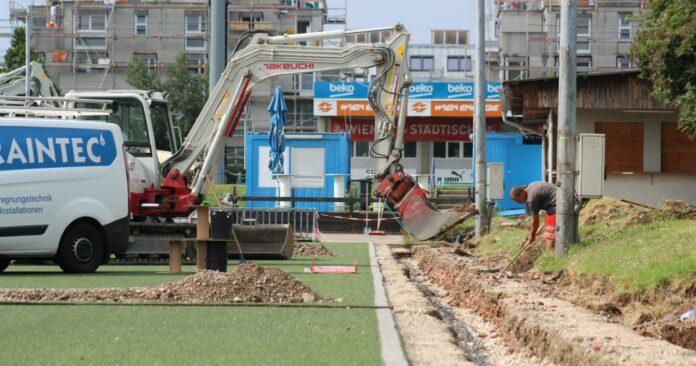 Baggerarbeiten am FAC-Platz. Bild: FAC.