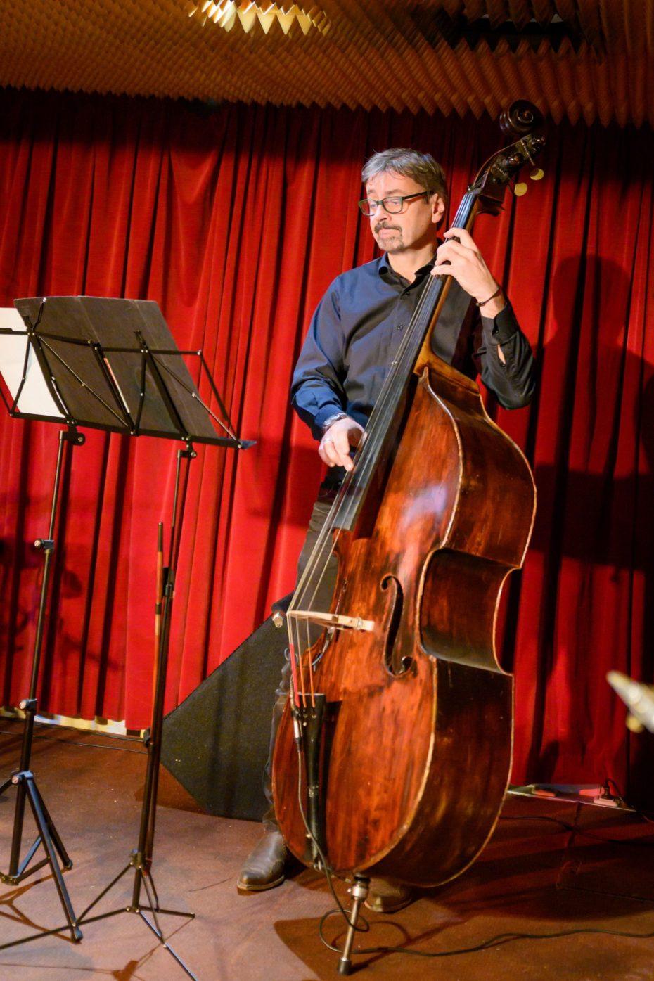 """Forum 21 Veranstaltung """"Swing-Jazz-Blues Abend"""" im Club Davis. Bild: Forum 21 ."""