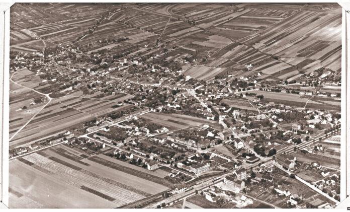Stammrsdorf von oben, circa 1930. Foto: https://crowdsourcing.onb.ac.at/oesterreich-aus-der-luft