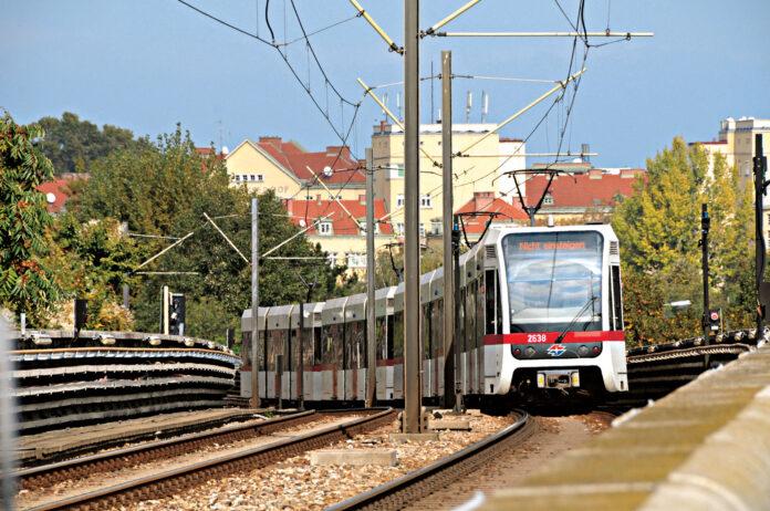 U6 in Floridsdorf - nur bis zum Franz-Jonas-Platz. Foto: Fotostudio Vodicka.